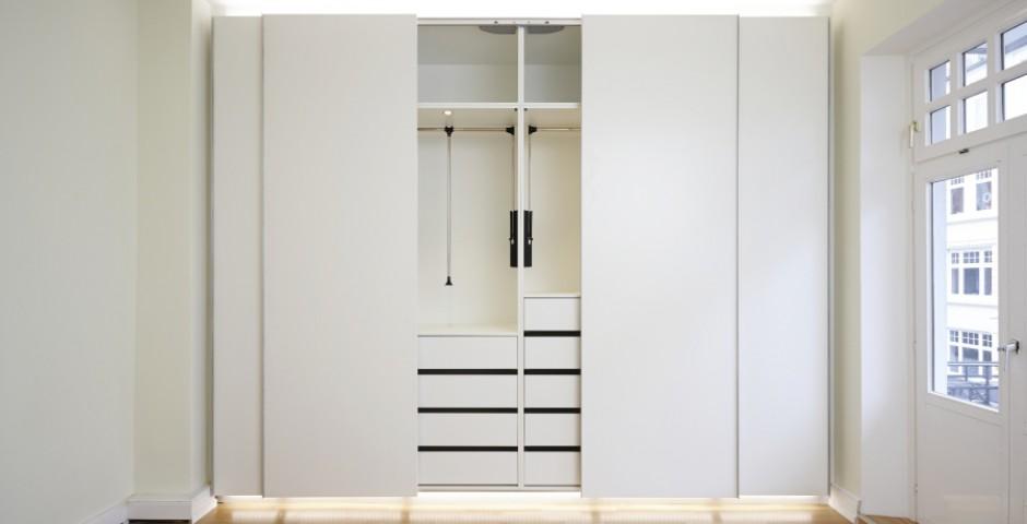 fein kleiderschr nke hamburg galerie die besten einrichtungsideen. Black Bedroom Furniture Sets. Home Design Ideas