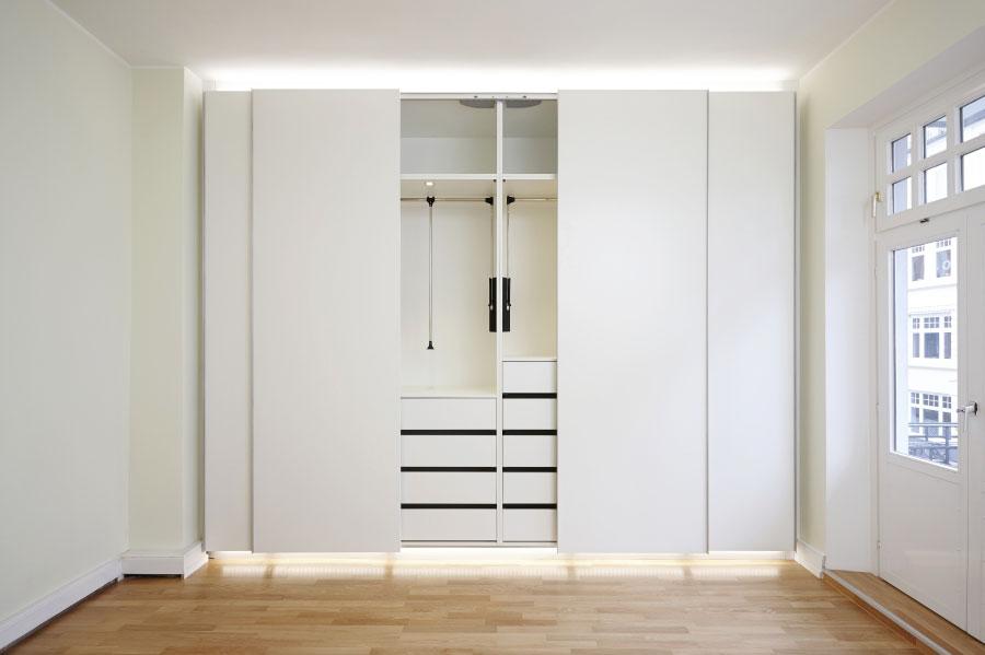 kleiderschrank raumhoch chapo ihr tischlerei meisterberiebchapo ihr tischlerei meisterberieb. Black Bedroom Furniture Sets. Home Design Ideas