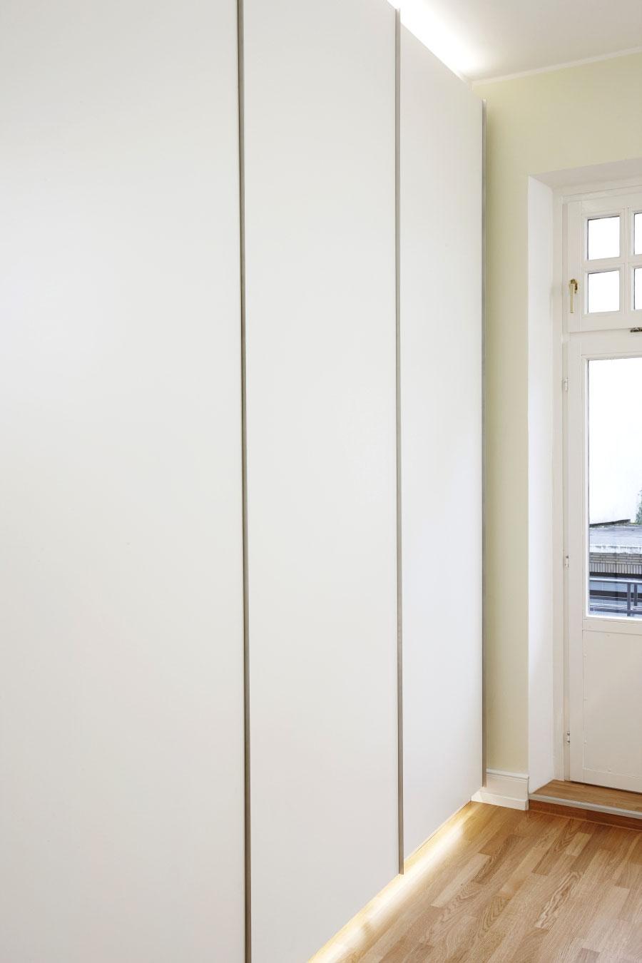 Kleiderschrank – raumhoch | chapo - Ihr Tischlerei ...